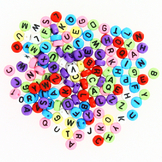 Perles en plastique lettres multicolores assorties